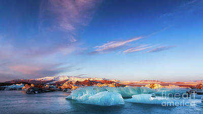 Photograph - Sunrise At The Iceberg Lagoon by Jerry Fornarotto