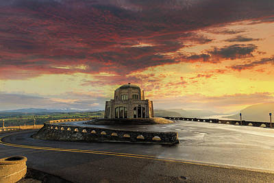 Photograph - Sunrise At Vista House On Crown Point by David Gn