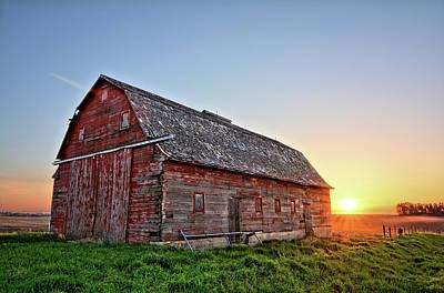 Photograph - Sunrise Barn by Bonfire Photography