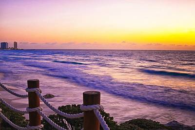 Sunrise In Cancun Art Print