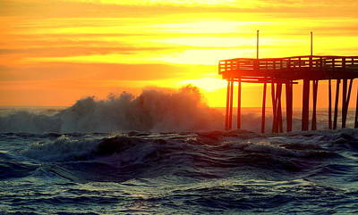 Photograph - Sunrise Splash Avon Pier 5 21716 by Mark Lemmon