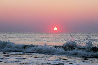 Photograph - Sunrise Splash by Robert Banach