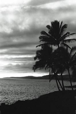 Photograph - Sunset 01 - Sfx 200 Bw - Kauai, Hawaii by Pamela Critchlow