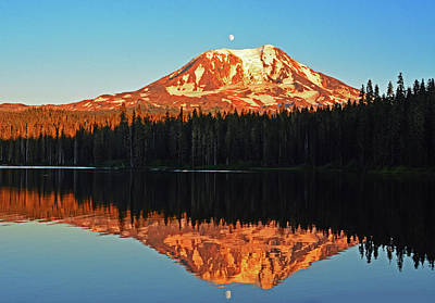 Photograph - Sunset And Sunrise Mt Adams by Jack Moskovita
