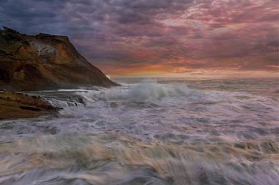 Sunset And Waves At Cape Kiwanda Art Print by David Gn