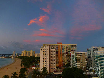 Photograph - Sunset At Isla Verde by Steven Spak
