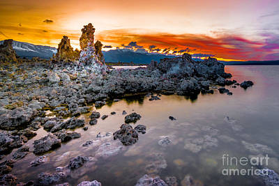 Photograph - Sunset At Mono Lake by Jim DeLillo