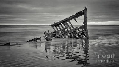 Peter Iredale Photograph - Sunset At Peter Iredale 1 Bw by Jerry Fornarotto