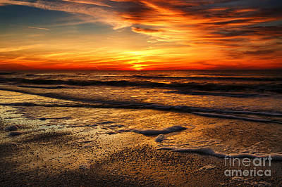 Sunset At Saint Petersburg Beach Art Print by Eyzen M Kim