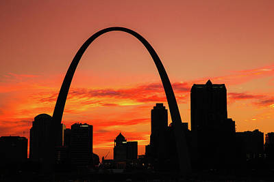 Photograph - Sunset At The Arch Of St. Louis by Steven Bateson