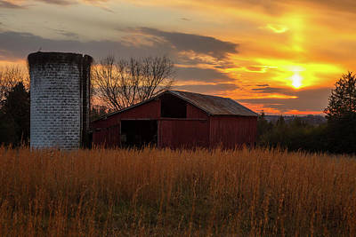 Wall Art - Photograph - Sunset At The Farm by Cliff Middlebrook