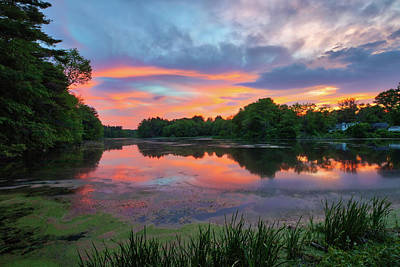 Photograph - Sunset Beamer At The Sudbury Grist Mill Pond by Juergen Roth