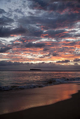 Sunset Colors At Makena Art Print by Peter French - Printscapes