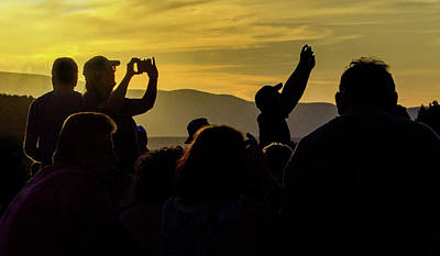 Photograph - Sunset Crowd 7835-101717-2cr by Tam Ryan