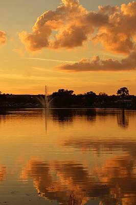 Photograph - Sunset Fountain In Lake Desoto by rd Erickson