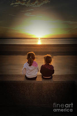 Photograph - Sunset Girls by Lynn Bolt