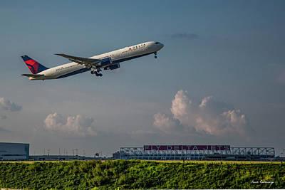 Photograph - Sunset Glow Delta Airlines Jet N839mh Hartsfield Jackson International Airport Art by Reid Callaway