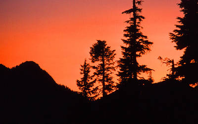 Art Print featuring the photograph Sunset In The Mountains 2 by Lyle Crump