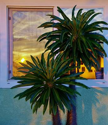 Photograph - Sunset In Window 2 by Phyllis Spoor