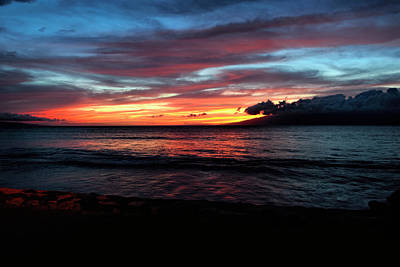 Photograph - Sunset Maui by Bill Dodsworth
