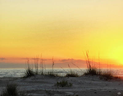 Photograph - Sunset On The Gulf by Peg Runyan