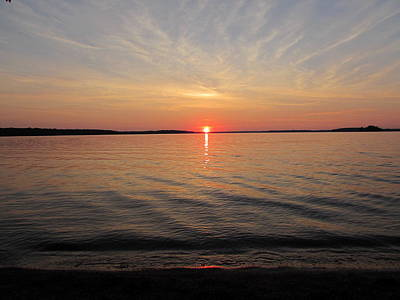 Photograph - Sunset on the Lake at Pymatuning State Park by David Witoslawski