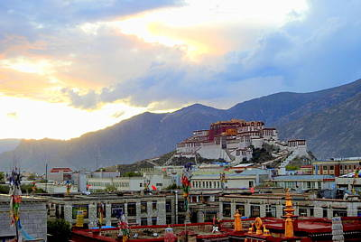 Photograph - Sunset On The Potala Palace by Betty-Anne McDonald