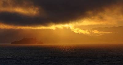 Photograph - Sunset Over Alcatraz by Peter Thoeny
