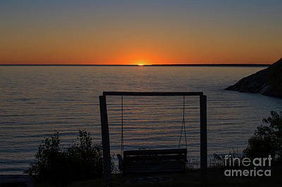 Photograph - Sunset Over Lake Superior by Les Palenik