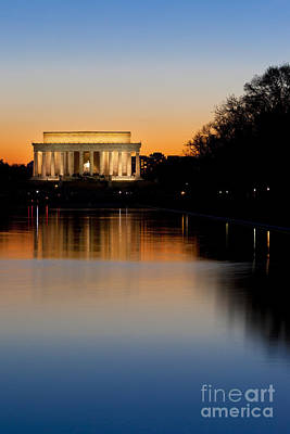 Photograph - Sunset Over Lincoln Memorial by Brian Jannsen