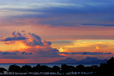 Sunset Over Martinique-st Lucia Original by Chester Williams