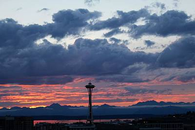 Photograph - Sunset Red Clouds And Space Needle by Suzanne Lorenz