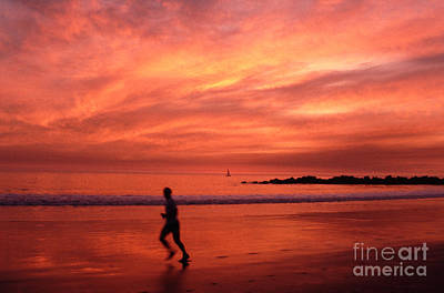 Photograph - Sunset Runner Venice Beach by Tom Wurl