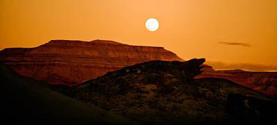 Photograph - At Sunset by Gilbert Artiaga