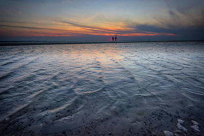 Sunset Walk On West Meadow Beach Art Print by Rick Berk