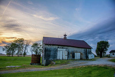 Photograph - Sunset Years Barn by Randall Branham
