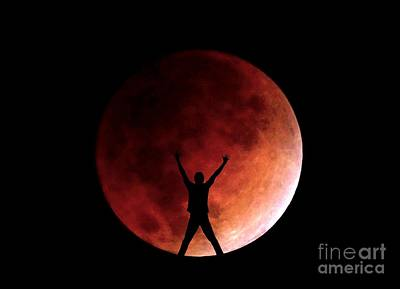 Photograph - Super Blue Blood Lunar Eclipse Moon With Figure by Christopher Shellhammer