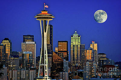 Super Moon Over Seattle Art Print