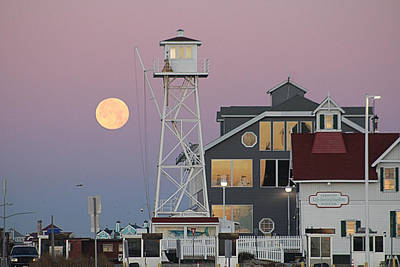 Photograph - Super Wolf Moon At The Watch Tower by Robert Banach