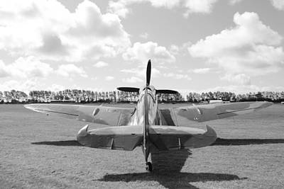 Supermarine Spitfire Mk Ix Art Print by Robert Phelan