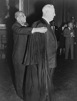 Chief Justice Photograph - Supreme Court Chief Justice Earl by Everett