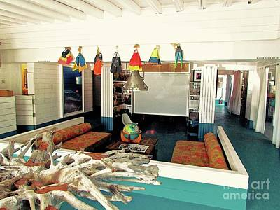 Mid Century Furniture Photograph - Surf House Interior by Beth Saffer