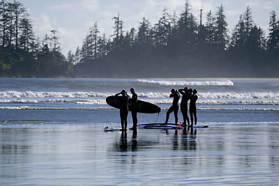 Photograph - Surfers Suiting Up by Keith Boone