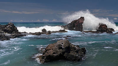 Photograph - Surf's Up At Ho'okipa by Susan Rissi Tregoning