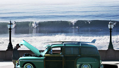 Photograph - Surfs Up by Larry Butterworth