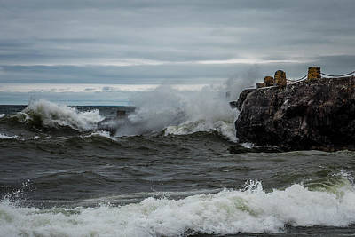 Duluth Photograph - Surfs Up On Superior by Paul Freidlund