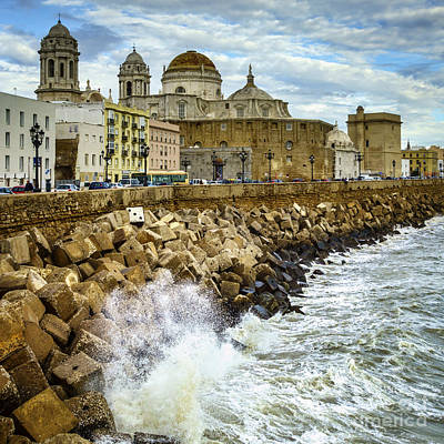 Photograph - Swells On The Cathedral Cadiz Spain by Pablo Avanzini