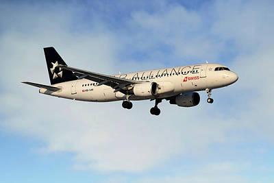 Star Alliance Photograph - Swiss Airbus A320-214 by Nichola Denny