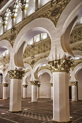 Spanish Synagogue Photograph - Synagogue Of St Mary The White by Joan Carroll