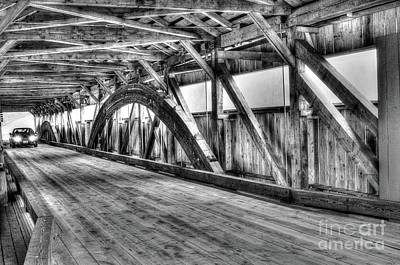 Taftsville Photograph - Taftsville Covered Bridge by Steve Brown